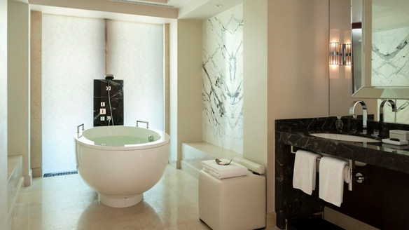Four Seasons Moscow bathroom